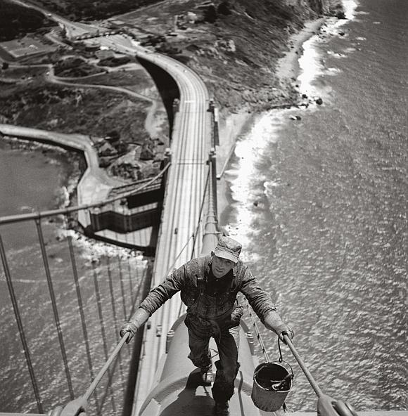 Golden Gate Bridge painter on main cable, 1947  1002372
